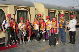 group tour in palace on wheels